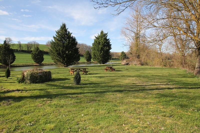 Aire camping-car à Seysses-Savès (32130) - Photo 1